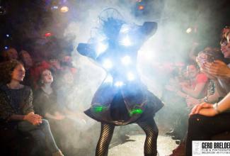 Licht und Walkact `Nebulosa und Laser Man`