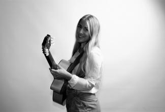 LINNÉA - die Sängerin und Gitarristin mit Herzblut