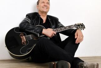 Shane Brady - Singer & Songwriter - solo