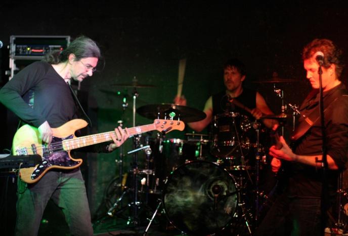 Untrue The Band