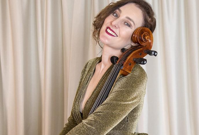 Solo-Cellistin für Ihren Anlass!