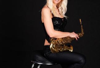 Saxophonistin Aretha – Engelstöne auf dem Saxophon