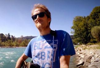Dan Ward (UK) - Professional Singer-Songwriter & One-Man-Band