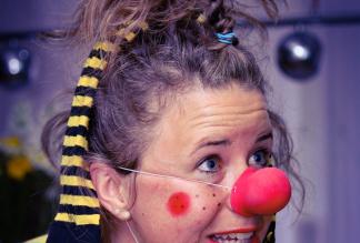 PÜNKTLI - Clown, Comedy, Sängerin