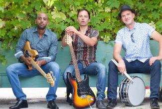 Blues- / Rock Trio für kleine und grosse Anlässe. Stimmungsvoll, vielseitig und