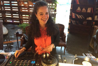 DJETTE FLASHFUNK - Experienced DJ for your event